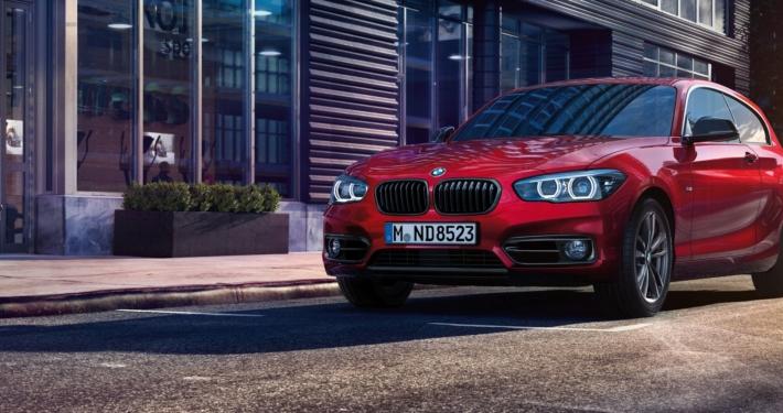 Sixt BMW X4 červené