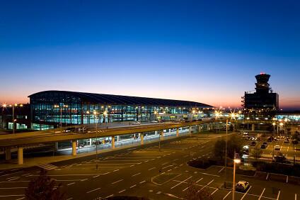 Letiště Václava Havla v noci