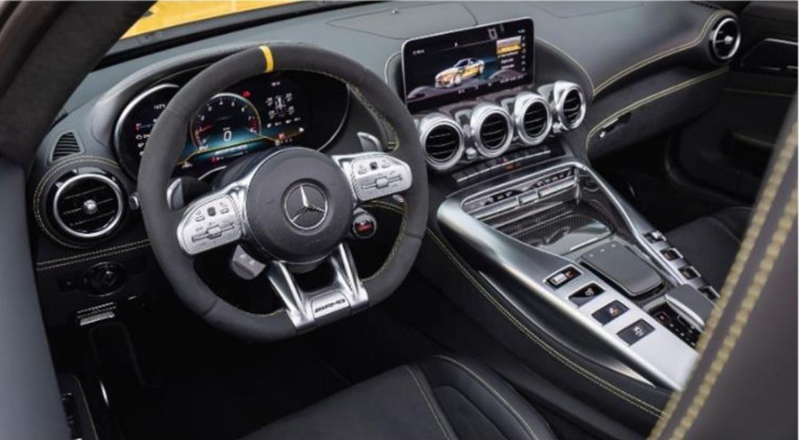 Mercedes AMG_interier